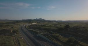 Τοπ άποψη πέρα από την εθνική οδό φιλμ μικρού μήκους