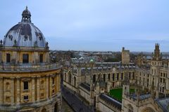 Τοπ άποψη Πανεπιστημίου της Οξφόρδης, Ηνωμένο Βασίλειο στοκ φωτογραφία