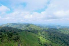 Τοπ άποψη σχετικά με το βουνό στοκ εικόνα με δικαίωμα ελεύθερης χρήσης