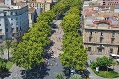 Τοπ άποψη σχετικά με το Λα Rambla στη Βαρκελώνη Στοκ φωτογραφία με δικαίωμα ελεύθερης χρήσης