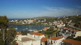 Τοπ άποψη σχετικά με το πανόραμα του νησιού Άνδρου στο Αιγαίο πέλαγος στοκ εικόνες
