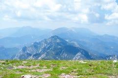 Τοπ άποψη της κορυφογραμμής βουνών Στοκ φωτογραφία με δικαίωμα ελεύθερης χρήσης