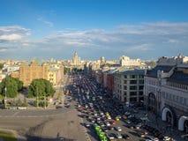 Τοπ άποψη της κυκλοφοριακής συμφόρησης στη μεγάλη πόλη Μόσχα Στοκ εικόνα με δικαίωμα ελεύθερης χρήσης