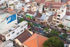 Τοπ άποψη της οδικής κυκλοφορίας στη πόλη Χο Τσι Μινχ Στοκ Εικόνες