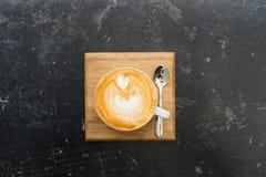 Τοπ άποψη του καυτού καφέ cappuccino Στοκ Εικόνες