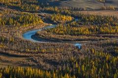 Τοπ άποψη του ποταμού Chuya στα βουνά Altai, Δημοκρατία Altai Στοκ Εικόνα