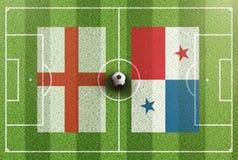Τοπ άποψη του πράσινου γηπέδου ποδοσφαίρου με τις σημαίες της Αγγλίας και του Παναμά Στοκ Εικόνες