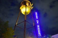Τοπ άποψη του πύργου του House of Blues στο νεφελώδες υπόβαθρο ουρανού στη λίμνη Buena Vista στοκ φωτογραφίες