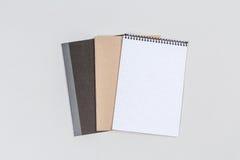 Τοπ άποψη τρία σημειωματάριο επιχειρησιακών βιβλίων Στοκ φωτογραφία με δικαίωμα ελεύθερης χρήσης