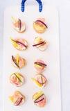 Τοπ άποψη των καναπεδάκια σολομών ceviche Στοκ εικόνες με δικαίωμα ελεύθερης χρήσης