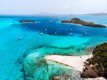 Τοπ άποψη των κοραλλιογενών νήσων του Τομπάγκο στοκ εικόνα με δικαίωμα ελεύθερης χρήσης
