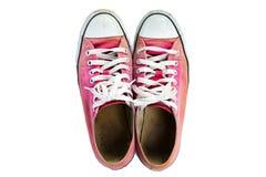 Τοπ άποψη των παλαιών κόκκινων πάνινων παπουτσιών στοκ εικόνες