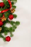 Τοπ άποψη υποβάθρου Χριστουγέννων άσπρη ξύλινη Στοκ εικόνα με δικαίωμα ελεύθερης χρήσης