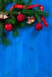 Τοπ άποψη υποβάθρου Χριστουγέννων ξύλινη Στοκ εικόνα με δικαίωμα ελεύθερης χρήσης