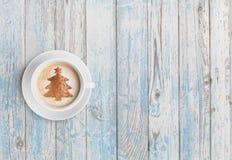 Τοπ άποψη φλυτζανιών καφέ Χριστουγέννων στοκ εικόνα