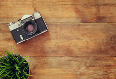 Τοπ εικόνα άποψης της εκλεκτής ποιότητας παλαιάς κάμερας Αναδρομικός που φιλτράρεται Στοκ εικόνα με δικαίωμα ελεύθερης χρήσης