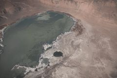 Τοπ εικόνα άποψης του βουνού και της λίμνης του Ιμαλαίαυ στοκ φωτογραφίες με δικαίωμα ελεύθερης χρήσης