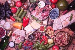 Τοπ επιτραπέζιο σύνολο άποψης των τροφίμων Στοκ Φωτογραφίες