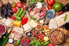 Τοπ επιτραπέζιο σύνολο άποψης των τροφίμων Στοκ εικόνα με δικαίωμα ελεύθερης χρήσης