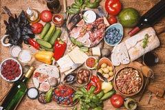 Τοπ επιτραπέζιο σύνολο άποψης των τροφίμων Στοκ Εικόνες