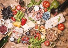 Τοπ επιτραπέζιο σύνολο άποψης των τροφίμων Στοκ εικόνες με δικαίωμα ελεύθερης χρήσης