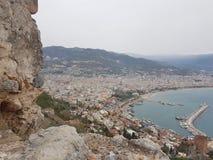 Τοπ θέα βουνού χειμερινών διακοπών θάλασσας μαρινών antalya thrkey της Τουρκίας Alanya Στοκ Φωτογραφίες