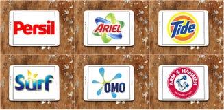 Τοπ καθαριστικά εμπορικά σήματα σκονών πλύσης ή πλυντηρίων Στοκ φωτογραφίες με δικαίωμα ελεύθερης χρήσης
