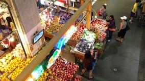 Τοπ πυροβολισμός των τροφίμων αγοράς πελατών απόθεμα βίντεο
