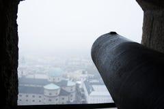 Τοπ πυροβόλο όπλο πέρα από το Σάλτζμπουργκ Στοκ φωτογραφίες με δικαίωμα ελεύθερης χρήσης