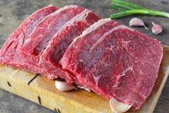 Τοπ στρογγυλό βόειο κρέας φωτογραφικών διαφανειών Στοκ Φωτογραφία