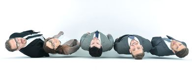 Τοπ όψη μια ομάδα επιχειρηματιών που εξετάζουν τη κάμερα στοκ φωτογραφίες