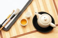 Τοπ teapot άποψης που τίθεται στον πίνακα Στοκ Εικόνα