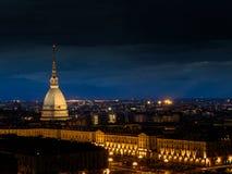 Τορίνο Ιταλία, antonelliana τυφλοπόντικων που φωτίζεται στη νύχτα Στοκ φωτογραφία με δικαίωμα ελεύθερης χρήσης