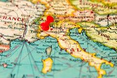 Τορίνο, Ιταλία που καρφώνεται στον εκλεκτής ποιότητας χάρτη της Ευρώπης Στοκ Εικόνα