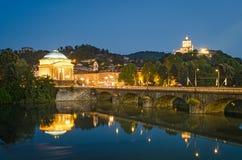 Τορίνο (Τουρίνο), ποταμός Po, μεγάλα Madre και Cappuccini Στοκ φωτογραφίες με δικαίωμα ελεύθερης χρήσης