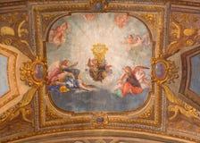 ΤΟΡΙΝΟ, ΙΤΑΛΙΑ - 15 ΜΑΡΤΊΟΥ 2017: Η νωπογραφία των αγγέλων με το Eucharist στην εκκλησία Chiesa Di SAN Francesco DA Paola Στοκ φωτογραφία με δικαίωμα ελεύθερης χρήσης