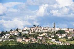 Τοσκάνη - πόλη στο λόφο Στοκ Εικόνες