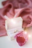 Τουλίπα με ένα δαχτυλίδι Στοκ φωτογραφία με δικαίωμα ελεύθερης χρήσης