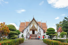 Τουρίστας που επισκέπτεται Wat Phumin Στοκ φωτογραφίες με δικαίωμα ελεύθερης χρήσης