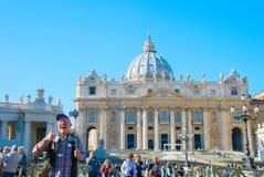Τουρίστας που παίρνει selfie σε Βατικανό Στοκ Εικόνα