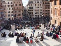 Τουρίστας στα ισπανικά βήματα στην πόλη της Ρώμης Στοκ Εικόνα