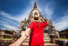 Τουρίστας στο ναό της Ταϊλάνδης Στοκ Φωτογραφίες
