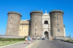 Τουρίστας στο Castle Nouvo στη Νάπολη σε 16, Agoust 2013 Στοκ Φωτογραφία