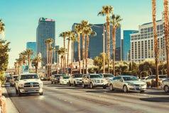 Τουρίστας traffik στη λεωφόρο του Λας Βέγκας Αυτοκίνητα και ξενοδοχεία πολυτελείας Στοκ φωτογραφία με δικαίωμα ελεύθερης χρήσης