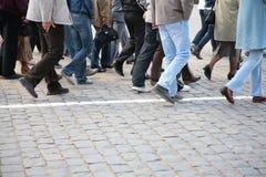 τουρίστες κόκκινων τετραγώνων ποδιών Στοκ φωτογραφία με δικαίωμα ελεύθερης χρήσης