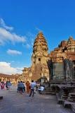 Τουρίστες που επισκέπτονται το ναό Angkor Wat Στοκ φωτογραφίες με δικαίωμα ελεύθερης χρήσης
