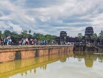 Τουρίστες που επισκέπτονται Angkor Wat, Καμπότζη Στοκ φωτογραφίες με δικαίωμα ελεύθερης χρήσης