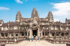 Τουρίστες σε Angkor Wat Στοκ εικόνα με δικαίωμα ελεύθερης χρήσης