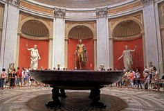 Τουρίστες στα μουσεία Βατικάνου, Ρώμη, Ιταλία Στοκ φωτογραφία με δικαίωμα ελεύθερης χρήσης