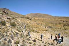 Τουρίστες στην κοιλάδα της Kala-Kala η πόλη Oruro Στοκ Φωτογραφίες